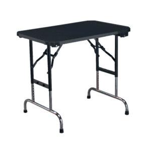 Adjustable table for animals grooming in Alaska.